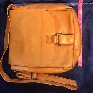 Handbags - 💥Leather Notebook Bag